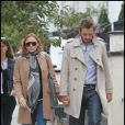 Stella McCartney bien enceinte en promenade avec son mari... le 13 septembre 2010
