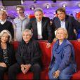 Michel Boujenah, Vincent Delerm, Michel Drucker, Bernard Tapie, Françoise Fabian, Claude Lelouch et Michèle Morgan lors de l'enregistrement de l'émission Vivement Dimanche le 15 septembre 2010