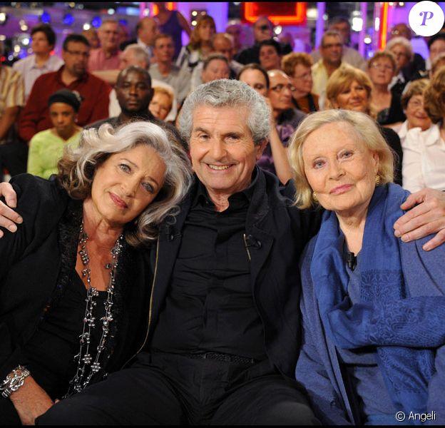 Françoise Fabian, Claude Lelouch et Michèle Morgan lors de l'enregistrement de l'émission Vivement Dimanche le 15 septembre 2010