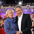 Michèle Morgan et Michel Drucker lors de l'enregistrement de l'émission Vivement Dimanche le 15 septembre 2010