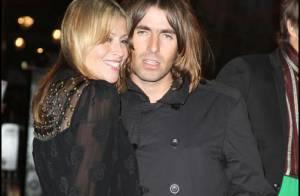 Liam Gallagher met la honte à sa petite amie pendant la première de 'Shine a light' à Londres !