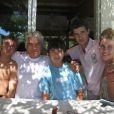Daniel Guichard avec sa fille Emmanuelle et ses trois derniers fils à Sauvian dans la propriété familiale