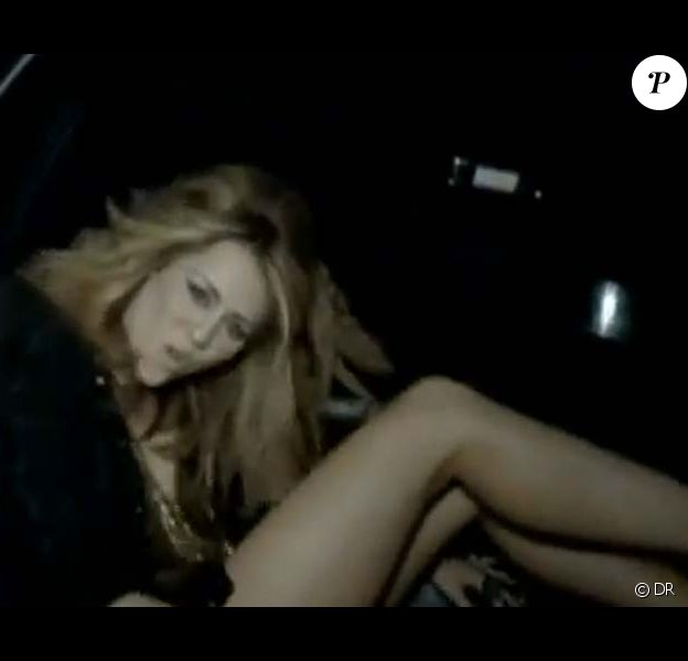 Miley Cyrus dans son clip Who owns my heart