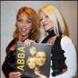Indra et Tatiana lors de la soirée pour le lancement du livre ABBA à Paris le 14 octobre 2010