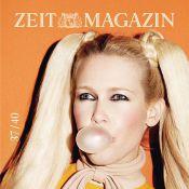 Claudia Schiffer : Grunge, gothique ou BCBG, elle nous bluffe encore !