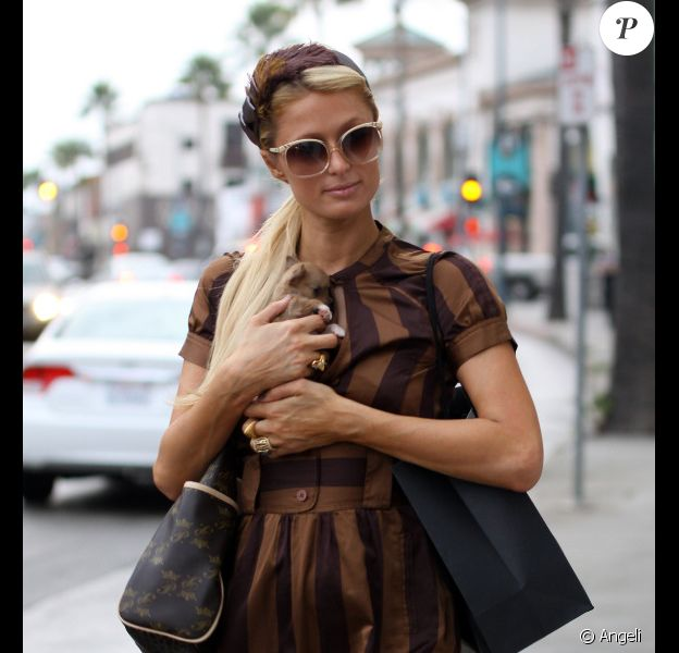 Paris Hilton à Beverly Hills, le 19 octobre 2010