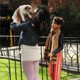 Willow Smith promène son chien à Manhattan, le 19 octobre 2010