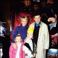 Sophie Davant, son mari Pierre Sled et leurs enfants Valentine et Nicolas en 2001 à Paris