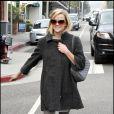 Adorable petite souris, Reese Witherspoon a opté pour une tenue tout en gris. Pari réussi !