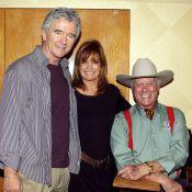 Dallas : Bobby, JR et Sue Ellen réunis pour une expo impitoyable !