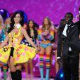 Katy Perry sur le podium du défilé Victoria's Secret 2010. Le 10 novembre à New York.
