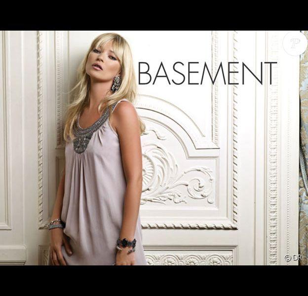 Kate Moss joue les femmes d'intérieur pour la marque Falabella.