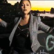 """Leslie sous un jour nouveau à New York dans le clip """"Hier encore"""" !"""