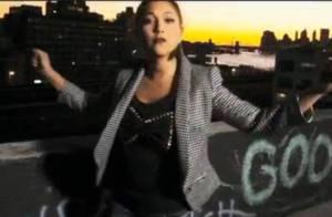 Leslie sous un jour nouveau à New York dans le clip