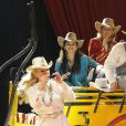 Jeane Manson en famille avec sa fille Shirel au Cirque Bouglione, à Chatou, le 27 novembre 2010