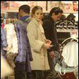 Jennifer Lopez et Marc Anthony font du shopping chez Kitson Kids sur Robertson Boulevard à Hollywood le 22 décembre 2010