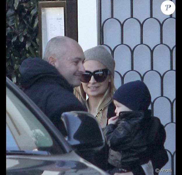Nicole Richie et Joel Madden à Beverly Hills avec leur adorable fils Sparrow. Le 30 décembre 2010