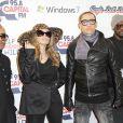 Apl.de.ap (à gauche), des Black Eyed Peas, souffre depuis l'enfance d'un nystagmus, un trouble oculomoteur qui fait qu'il ne voit pratiquement rien. A 36 ans, le chanteur craint de devenir aveugle...