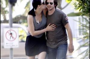 Esprits Criminels : Mise à l'écart, Paget Brewster se console avec son chéri !