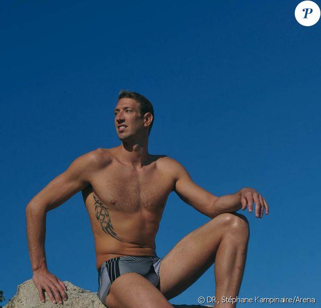 Alain Bernard porte le modèle Sanem de la collection hommes Arena été 2011.
