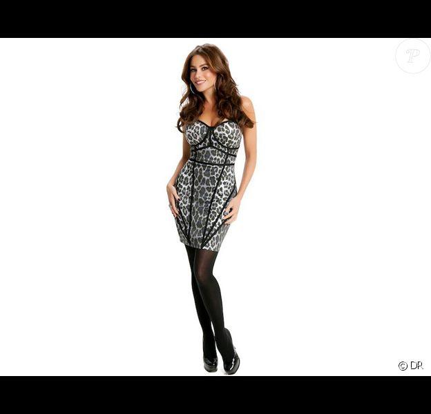 Sofia Vergara pose pour sa première collection de vêtements en association avec Kmart.