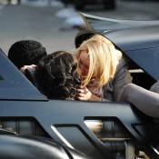 Russell Brand en plein baiser avec une blonde ! Que fait sa Katy Perry ?