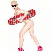 Lady Gaga : Nue, délicieuse et sensuelle... mais pourquoi un skateboard ?
