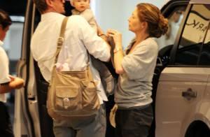 Eric Dane et Rebecca Gayheart s'occupent en amoureux de leur petit ange !