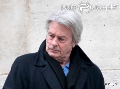Alain Delon lors des obsèques de Maria Schneider en l'église de Saint-Roch à Paris le 10 février 2011