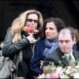 Fiona Gélin lors des obsèques de Maria Schneider en l'église de Saint-Roch à Paris le 10 février 2011