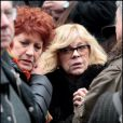 Andréa Ferreol et Nicoletta lors des obsèques de Maria Schneider en l'église de Saint-Roch à Paris le 10 février 2011