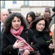 Pia (à gauche), compagne de la défunte, lors des obsèques de Maria Schneider en l'église de Saint-Roch à Paris le 10 février 2011