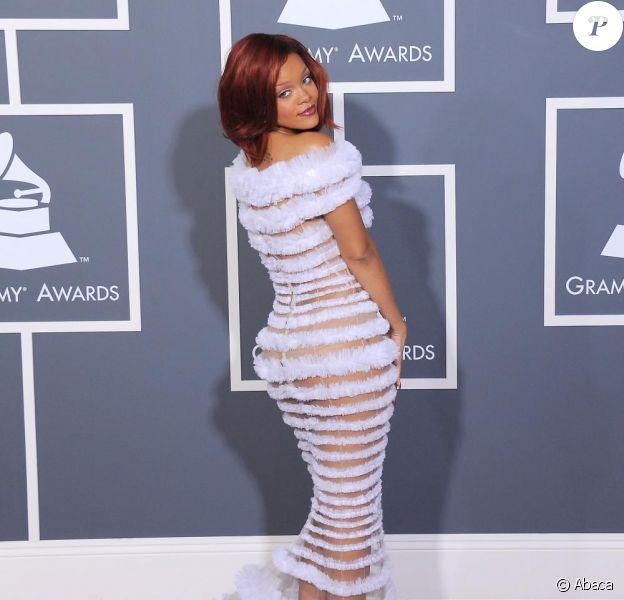 Rihanna sur le tapis rouge des Grammy Awards à Los Angeles le 13 février, parfaite dans une robe Jean-Paul Gaultier