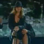 Elisabetta Canalis : La chérie de George Clooney dans une danse très sexy !