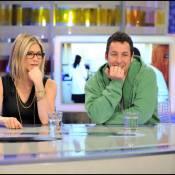 Jennifer Aniston : nouvelle coupe et lunettes de vue, elle a pris 10 ans !
