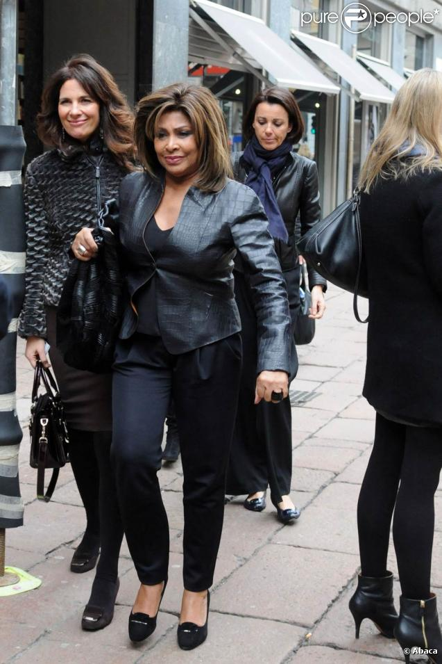 tina turner toujours superbe 224 71 ans pause luxe avec