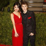 Justin Bieber et Selena Gomez : Ils officialisent sur tapis rouge !