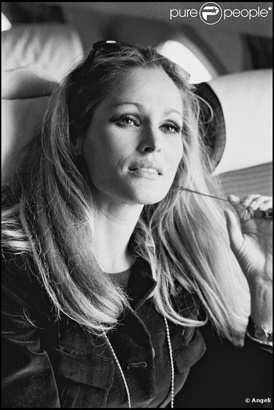 Ursula Andress | Chickipedia - Mademan.com