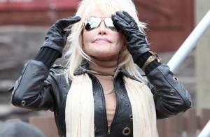 Dolly Parton : A 65 ans, ultra-lookée, elle est la reine des sensations fortes !