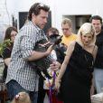 Tori Spelling, son mari Dean McDermott et leurs enfants Stella et Liam en visite dans une boutique d'antiquités avec leur chèvre (28 mars à L.A)
