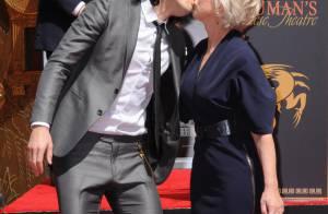 Helen Mirren embrasse Russell Brand sur la bouche dans la Cité des Anges !