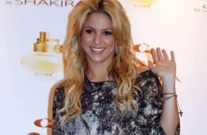 Shakira officialise avec Gerard Piqué, son