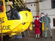 Le prince William roule des mécaniques devant la reine Elizabeth, très fière !