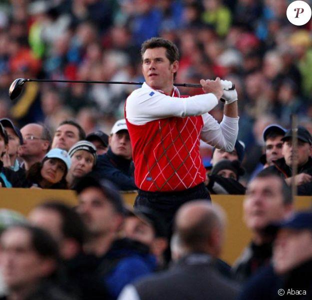 Lee Westwood (photo : en octobre 2010, lors de la Ryder Cup), star anglaise du golf et numéro deux mondial, a vécu un effrayant atterrissage d'urgence du jet qui le conduisait au Masters d'Augusta, lundi 4 avril 2011.