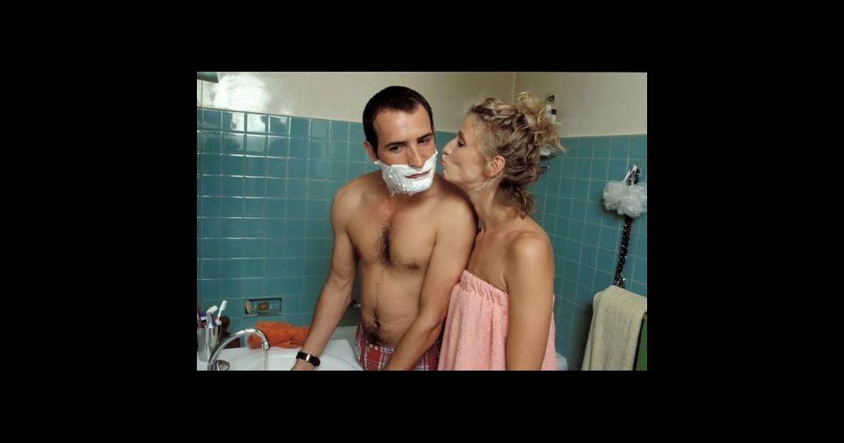 Sc ne du quotidien pour chouchou loulou le matin dans la for Un gars une fille dans la salle de bain
