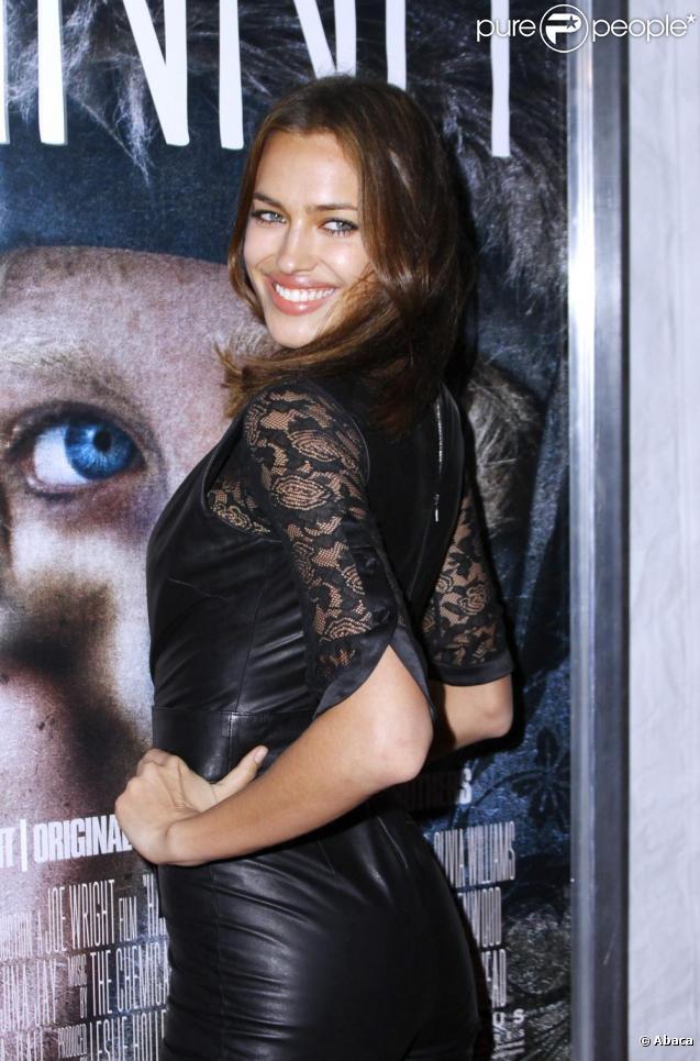 Irina Shayk lors de la première du film Hanna le 6 avril 2011 à New York