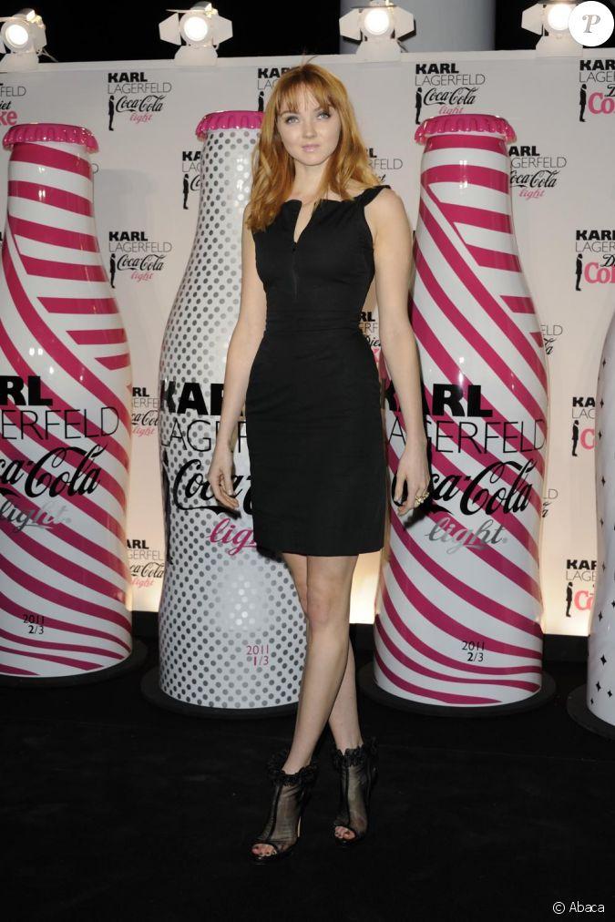 Lily Cole lors du lancement Coca Cola Light pour célébrer ...