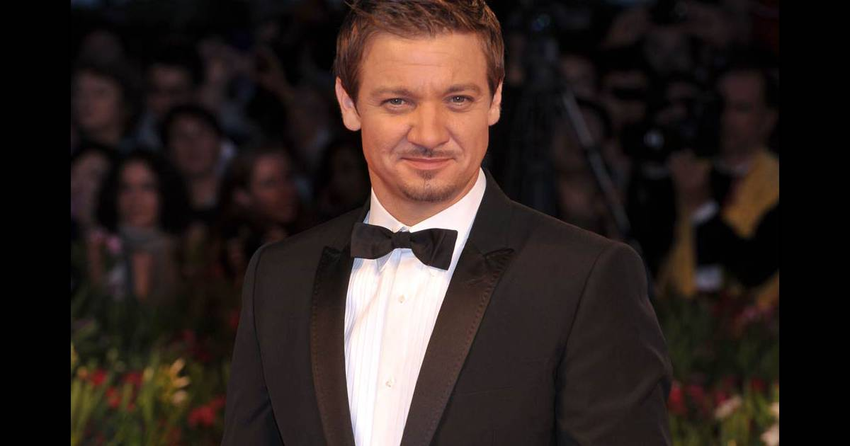 jeremy renner star de cin ma et brillant homme d 39 affaires purepeople. Black Bedroom Furniture Sets. Home Design Ideas