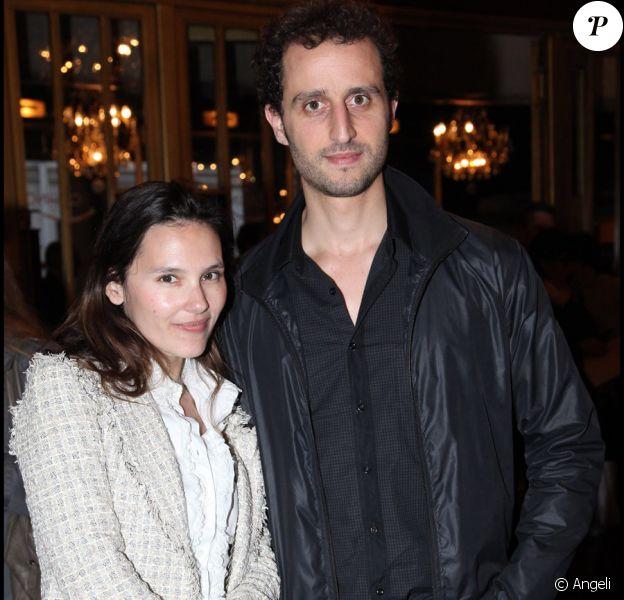 Virginie Ledoyen et Arié Elmaleh au casino de Paris pour une des deux dernières représentations de Jérôme Commandeur se fait discret - Saison 2, le 9 avril 2011