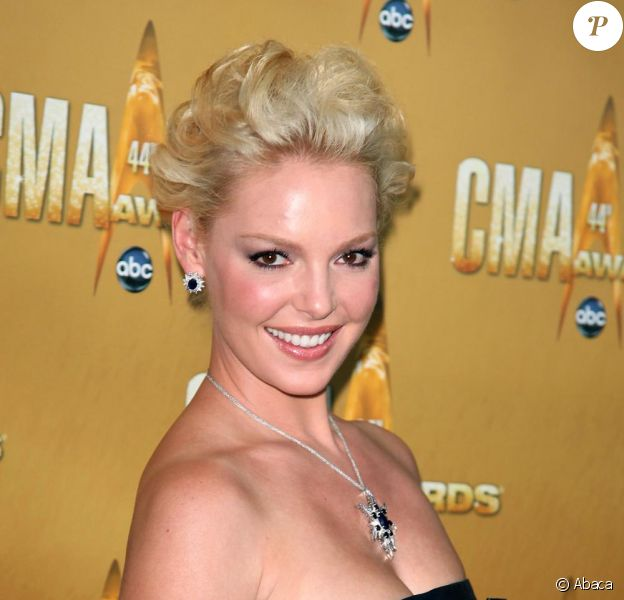 Katherine Heigl incarnera le personnage principal et endossera la casquette de productrice du téléfilm The Knitting Circle, adaptation du best-seller éponyme signé Ann Hood.